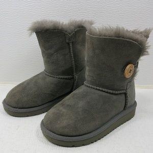 UGG Australia Bailey Button Child Winter Boots 9